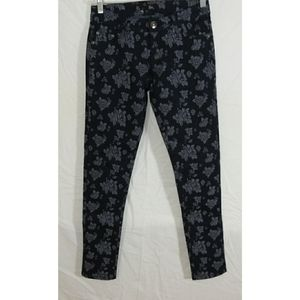 NWT Fave Jeans Floral Print Jeans Size 3